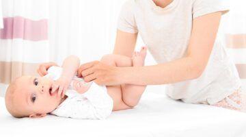 Cómo cambiar pañales a un bebé paso a paso