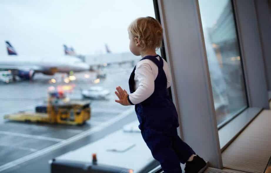 ¿Con qué edad puede viajar un bebé?
